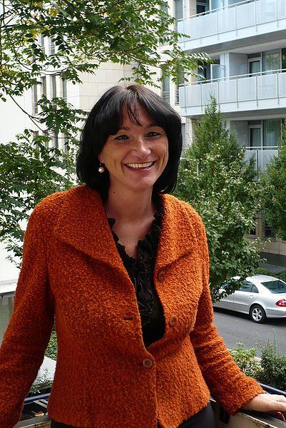 Dr. Gita Leber