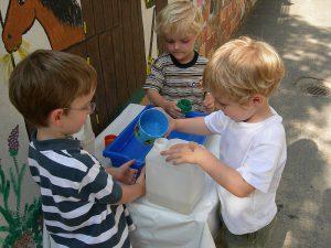 Kinder lernen durch Ausprobieren